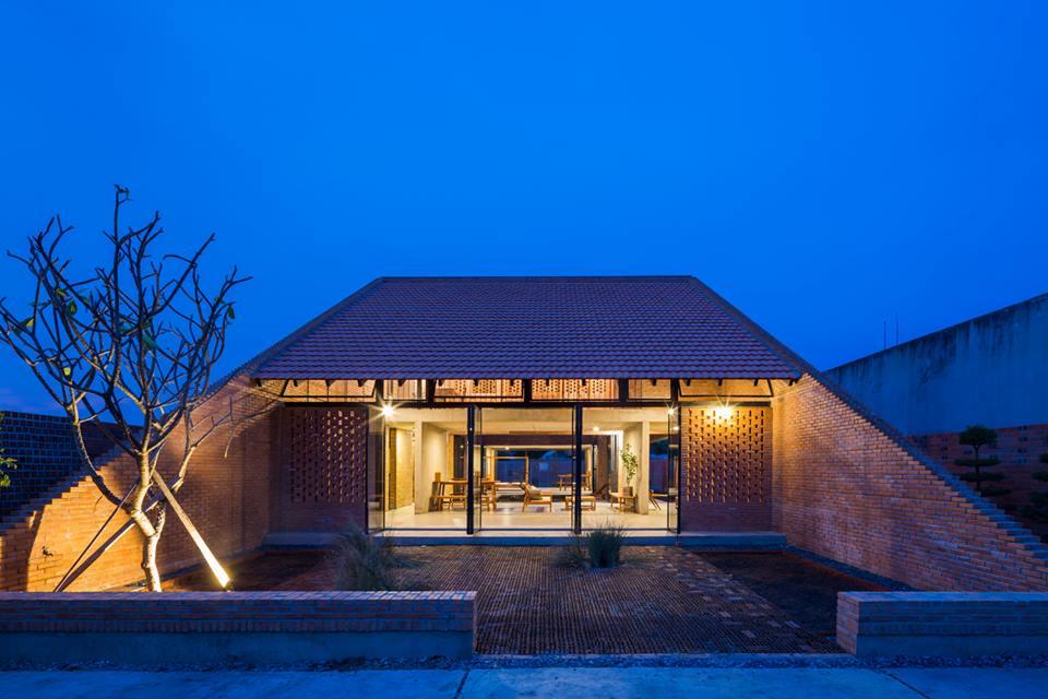 Mẫu nhà độc đáo với kiến trúc truyền thống ở Long An